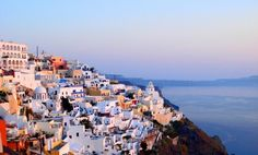 It is said that great poets have sung its praises and that its majestic shape hides the secrets of Atlantis. Santorini is a volcanic island in the Cyclades group of the Greek islands, famous for its breathtaking sunsets, dramatic landscapes and buildings of the color of white aubergine.
