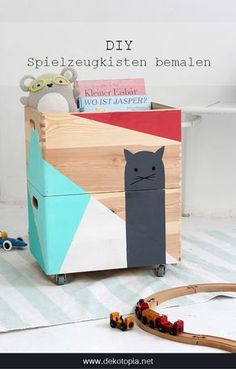 DIYnachten: painted toy boxes with marabou - Basteln mit Kindern - - Balcony Furniture Design - Kinderzimmer All Wood Furniture, Balcony Furniture, Furniture Stores, Furniture Design, Ikea Storage, Kids Corner, Wood Toys, Toy Boxes, Diy For Kids