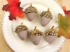 Acorn Cake Bites via candiquik.com