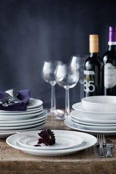 Elegant dinner plates from Rosendahl Grand Cru Soft. Kitchenware, Tableware, Grand Cru, Side Salad, Serving Dishes, E Design, Kitchen Accessories, Dinner Plates, Crock
