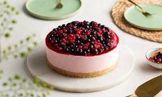 Vegan taart aardbei met rood fruit Recept | Dr. Oetker Cupcake, Yummy Food, Recipes, Delicious Food, Cupcakes, Recipies, Cupcake Cakes, Ripped Recipes, Cup Cakes