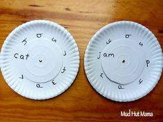Word Family Wheels - Mud Hut Mama (for those who are ready) Kindergarten Learning, Preschool Literacy, Teaching Aids, Teaching Tools, Phonics Lesson Plans, Word Wheel, Mud Hut, Preschool Schedule, Jolly Phonics