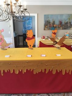 trendy baby shower winnie the pooh theme boys baby shower alla moda winnie the pooh a tema r Winnie The Pooh Decor, Winnie The Pooh Nursery, Winne The Pooh, Winnie The Pooh Birthday, 1st Boy Birthday, Boy Birthday Parties, Birthday Ideas, Baby Shower Table, Baby Shower Fun