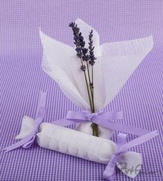 Love this I am from Washington, lavender grows so well there getting married in July in Ca think I will do this!!