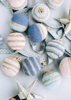 Crochet Christmas Decorations, Crochet Christmas Ornaments, Crochet Decoration, Christmas Crochet Patterns, Holiday Crochet, Easter Crochet, Christmas Knitting, Crochet Gifts, Cute Crochet