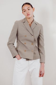 Oversized in style in a subtle beige tweed. Wool Poly Made in Italy Size : 6 (best fit a size In Perfect Vintage Condition Double Breasted Blazer, Tweed, Calvin Klein, Suit Jacket, Beige, Fitness, Jackets, Vintage, Style