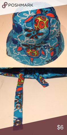 SEA TURTLE BEACH HAT Size Infant 6-12 months Excellent condition pre-owned BLUE sea turtle 100% COTTON BEACH HAT by THE CHILDRENS PLACE. Size unisex infant 6-12 months. Has chin straps that snap. THE CHILDRENS PLACE Accessories Hats