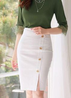 Top 50 Bleistiftrock Street Style Looks Seite 5 von 5 Skirt Outfits, Dress Skirt, Girly Outfits, Classy Outfits, Chic Outfits, Modest Fashion, Fashion Dresses, Fashion Fashion, High Waisted Pencil Skirt