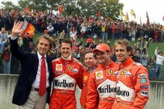 schumi with Ferrari family.