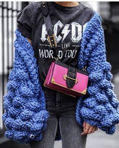 "216 curtidas, 2 comentários - World Based | Life Lover 🌻 (@snob_mademoiselle) no Instagram: ""@best_street_styles 🌷 #perfect #ootd"""