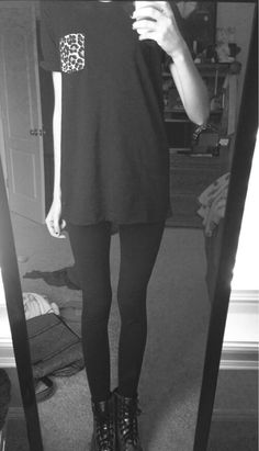 Black and White thin thinspo thigh gap ana anorexic Skinny Love, Get Skinny, Grunge, Skin And Bones, Body Inspiration, Thinspiration, White Fashion, Perfect Body, Thighs