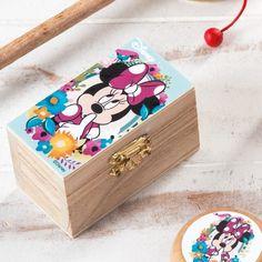 Σεντούκι Minnie Bloom Minnie Mouse, Decorative Boxes, Disney, Home Decor, Decoration Home, Room Decor, Home Interior Design, Decorative Storage Boxes, Disney Art