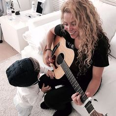 Sasha, into the music! Shak                              …