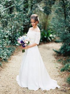 Southern garden wedding wrapped in elegance: http://www.stylemepretty.com/2014/06/19/southern-garden-wedding-wrapped-in-elegance/ | Photography: http://www.erichmcvey.com/