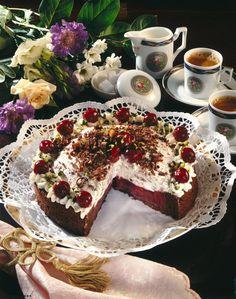 Unser beliebtes Rezept für Prinz-Eugen-Kirschtorte und mehr als 55.000 weitere kostenlose Rezepte auf LECKER.de.