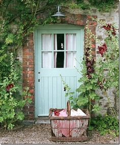 Wonderful front door color!
