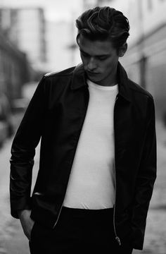 THE DAYS IN BETWEEN - Reiss Editorial