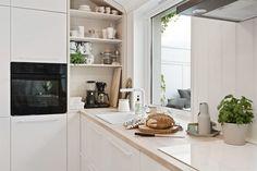 (3) BO HØYT OG FRITT I EKEBERGSKRENTEN: Nydelig 2-roms med 15,6 kvm vestvendt takterrasse med rå utsikt! - Lekre detaljer - Mulighet for P-plass - Lave f.kost - Nærhet til marka og sentrum! | FINN.no Kitchen Island, Kitchen Cabinets, Fritters, Real Estate, Home Decor, Rome, Island Kitchen, Kitchen Cupboards, Fried Dumplings