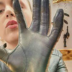 Fetish Fashion, Women's Fashion, Relationship Captions, Black Leather Gloves, Long Gloves, Leather Fashion, Latex, Change, Watches