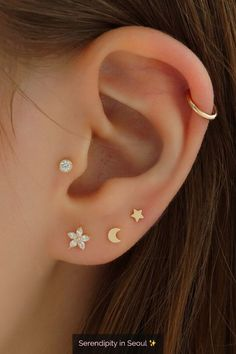 Create your own ear stack with these dainty ear piercings and hoops! Create your own ear stack with these dainty ear piercings and hoops! Ear Jewelry, Dainty Jewelry, Cute Jewelry, Jewelry Ideas, Statement Jewelry, Gold Jewellery, Diamond Jewelry, Jewlery, Women Jewelry