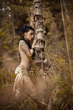 A pine forest witch who makes worlds out of forgotten things. Street Photography, Art Photography, Figure Photography, Art Magique, Earth Goddess, Chris Martin, Portraits, Fantasy, Urban Art