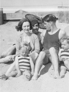 *-* MM - 1928_nj_beach_02_1 ■ 1928 Norma Jeane en famille à Santa Monica 3