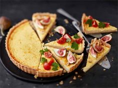 Juustopiirakka (texmex - juustoa, kolmen juuston kerma)