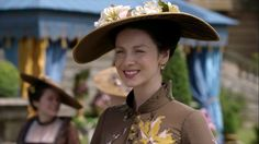 UHQ Screencaps of Episode of Outlander – Untimely Resurrections Claire Fraser, Jamie Fraser, Outlander Costumes, Outlander Season 2, Dragonfly In Amber, News 9, Caitriona Balfe, Riding Helmets, Cowboy Hats