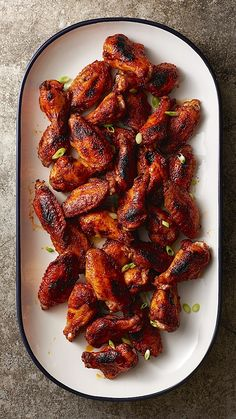 Watching sports this weekend? Make easy spicy Baked Blackened Cajun Chicken Wings to eat during the events. Made w/#muirglen #tomato paste, these wings only take 5 min prep, 50 min bake, 4 min broiler crisp. Score!!