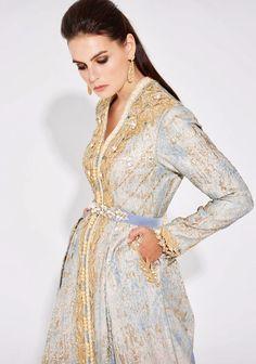 صوفيا بن يحيى Kaftan Style, Moroccan Caftan, Trendy Tops, Girl Fashion, Fashion Design, Glamour, Traditional Outfits, Feminine, Style Inspiration