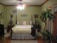 Warm Paint Colors For Bedrooms | Pale warm green paint color for a dark guest bedroom? - Home ...