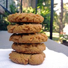 Four Ingredient Peanut Butter Crumble Cookies- http://www.cooks.com/rec/view/0,1810,155188-251199,00.html