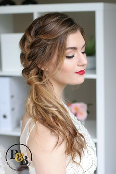 In love with this classic makeup paired with modern braided look. #weddingmakeupredlip #bridalmakeupredcarpet #bridalhairwithbraid #bridesmaidhairwithbraid