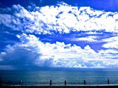www.villabuddha.com het strand voor onze villa Bali Te Huur € 1495,- per week , Uw prive villa aan het strand met personeel. moniquekruyssen@zonnet.nl