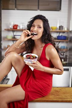 Padma Lakshmi eating | Padma Lakshmi says she gains 15 pounds with every season of 'Top Chef'