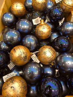 K&Ö first christmas impression get inspired! First Christmas, Christmas Bulbs, Christmas Decorations, Holiday Decor, Easter Eggs, Inspired, Inspiration, Home Decor, Homemade Home Decor