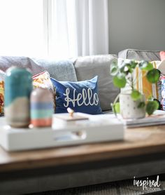 Colorful living room decorating ideas - Living Room spring home decor ideas First Apartment, Apartment Living, Living Rooms, Living Room Decor, Colourful Living Room, Decorating Ideas, Decor Ideas, Spring Home Decor, Pinterest Board