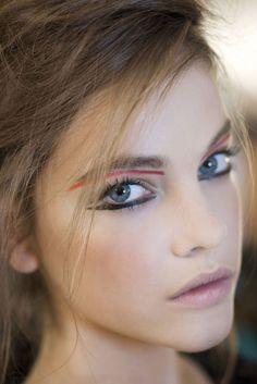 Barbra Palvin #fashion #models #backstage