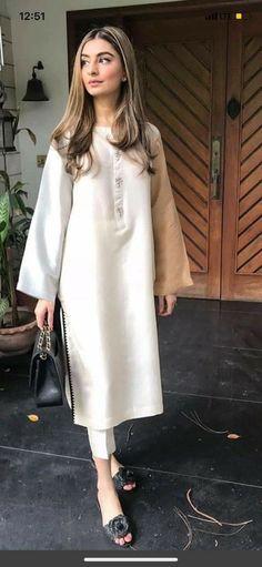 Pakistani Fashion Party Wear, Pakistani Fashion Casual, Indian Fashion Dresses, Indian Designer Outfits, Girls Fashion Clothes, Pakistani Outfits, Indian Outfits, Fashion Outfits, Beautiful Dress Designs