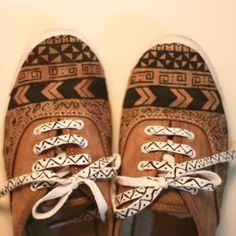 ..IVIR ZIVIR KUTUSU.. MY JUNKY BOX: DIY: Tribal shoes / Tribal desenli ayakkabı. Quiero unos así de bonitos!!! :D