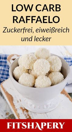These low carb raffaelo are super tasty and high in protein.- Diese Low Carb Raffaelo sind mega lecker und reich an Eiweiß. Dadurch eignen si… These low carb raffaelo are super tasty and rich in … - Low Carb Sweets, Low Carb Desserts, Healthy Sweets, Low Carb Recipes, Low Carb Candy, Dessert Healthy, Low Carb Pizza, Low Carb Keto, Low Carb Bake
