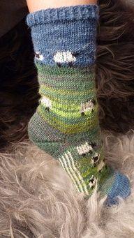 Sheep-Run-Socks pattern by Liesa Bach – Knitting Socks Crochet Socks, Knit Or Crochet, Knitting Socks, Hand Knitting, Knitting Projects, Crochet Projects, Knitting Patterns, Crochet Patterns, Fair Isle Knitting