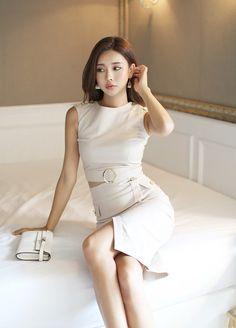 Korean Girl Fashion, Korean Fashion Trends, Asian Fashion, Beauty Full Girl, Beauty Women, Elegantes Outfit Frau, Stylish Outfits, Fashion Outfits, Fashion Shoes