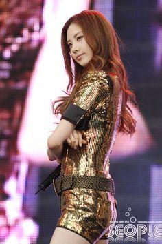 SNSD SeoHyun in gold dress