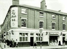 Ivy Bush Hagley Road /monument road Mary & I were married at The Baptist Church of the Redeemer on the corner of Monument Road/Waterworks Road Birmingham Pubs, Birmingham City Centre, Birmingham England, Old Pictures, Old Photos, Waterworks, West Midlands, Old Town, Liverpool