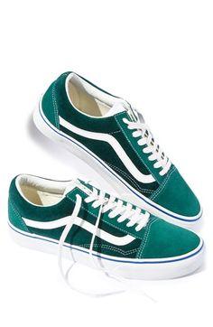 Free shipping and returns on Vans  Old Skool  Velvet Sneaker (Men) at e019791ec