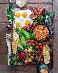 Quick healthy breakfast recipe & food with delicious taste - for ch Breakfast Platter, Dessert Platter, Breakfast Recipes, Irish Breakfast, Champagne Breakfast, Full English Breakfast Ideas, Breakfast Catering, Southern Breakfast, Breakfast Quesadilla