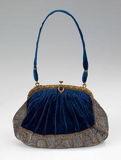 Evening purse ~ 1915