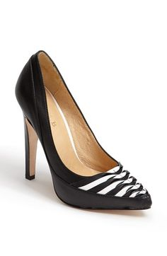 SocietyOfWomenWhoLoveShoes.org Rija