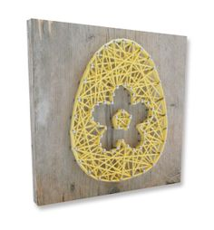 String-art DIY easter package including wood panel (20x20cm), nails, string and a pattern in shape of a bunny, egg, owl, bird or heart. For each box you can choose which pattern, what color string and what type of nails you like. Now available in our web shop!